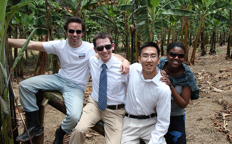 0000s_0051_2011-SHIP-at-plantation